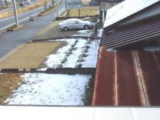 駐車場雪.jpg